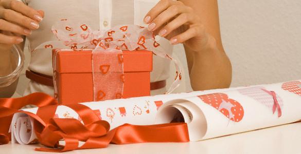 Подарки картинки (1k фото) скачать обои 73