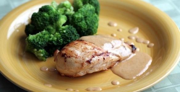 Рецепт грудок куриных в духовке со сливками и