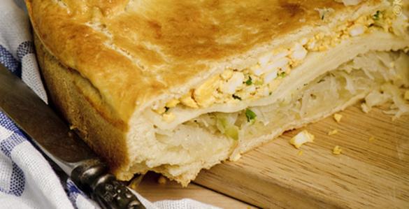 Кулебяка с капустой и яйцом рецепт